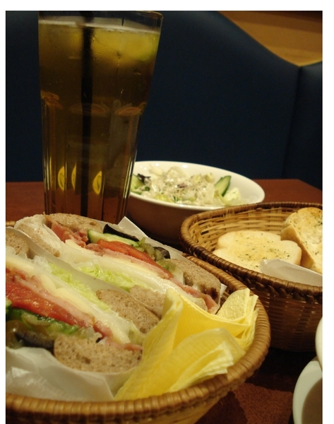 餐點合照,共NTD300。