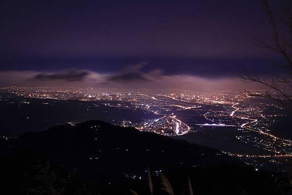 01-溫家茶園的夜景