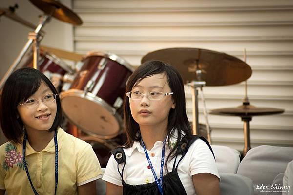 2009年萬得大樓兒童營的兩個小孩