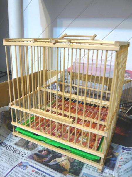 清理鳥籠時和外出用的竹籠子