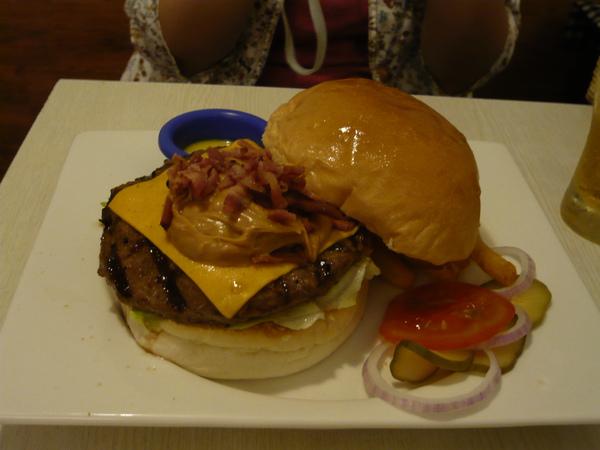 花生醬漢堡 Peanut butter beef burger