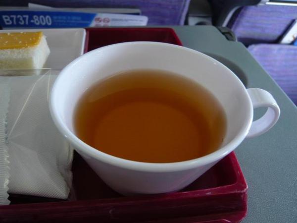 熱茶配巧克力勉勉強強