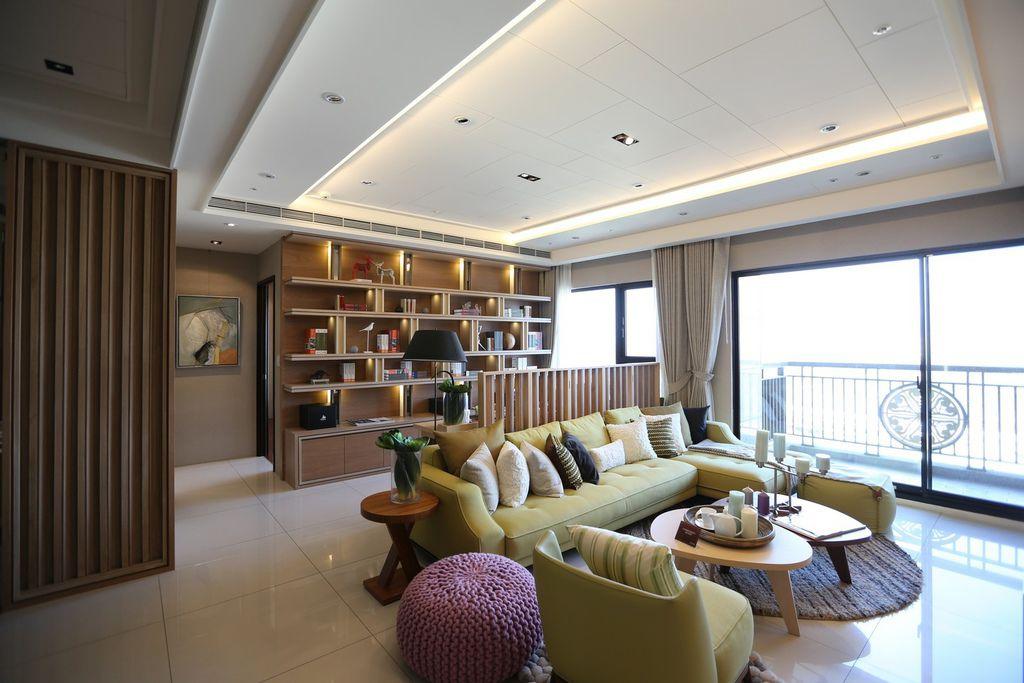中和左岸/中和建案/紫金園-客廳空間 三面採光