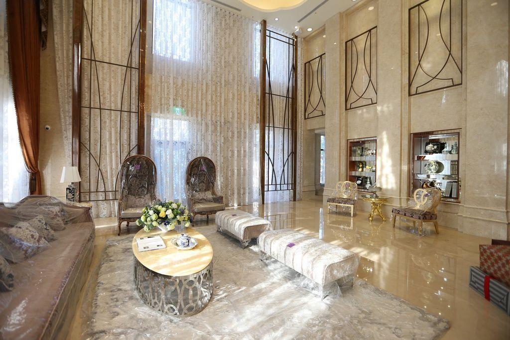 遠雄二代宅,富麗堂皇的英式皇家風格門廳-中和左岸/中和建案-彩虹園