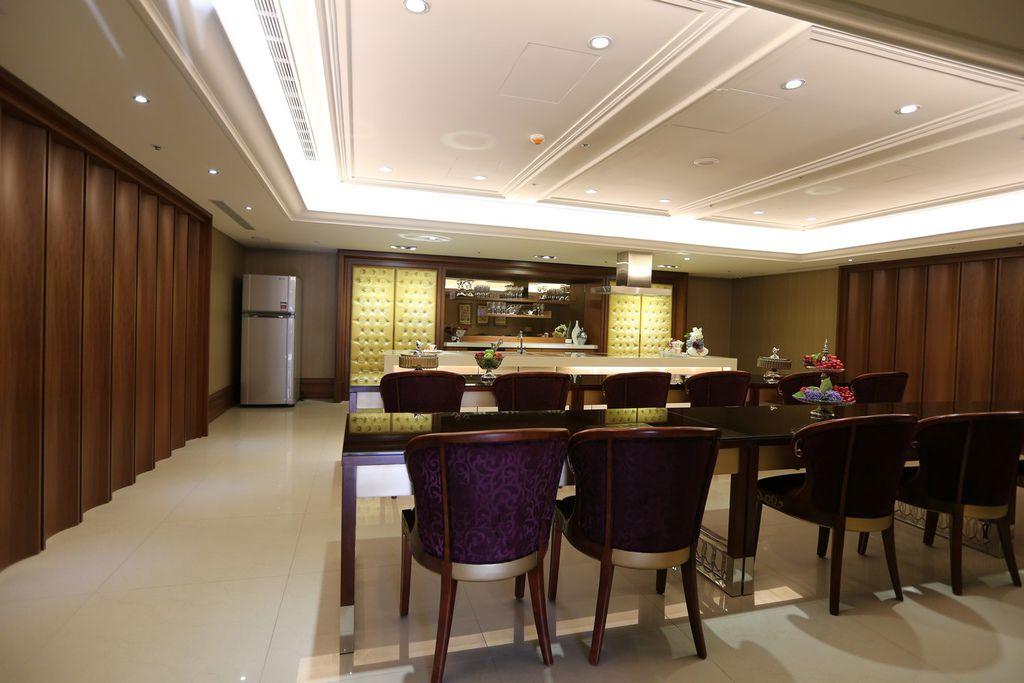 遠雄二代宅,公設空間宴會廳-中和左岸/中和建案-彩虹園