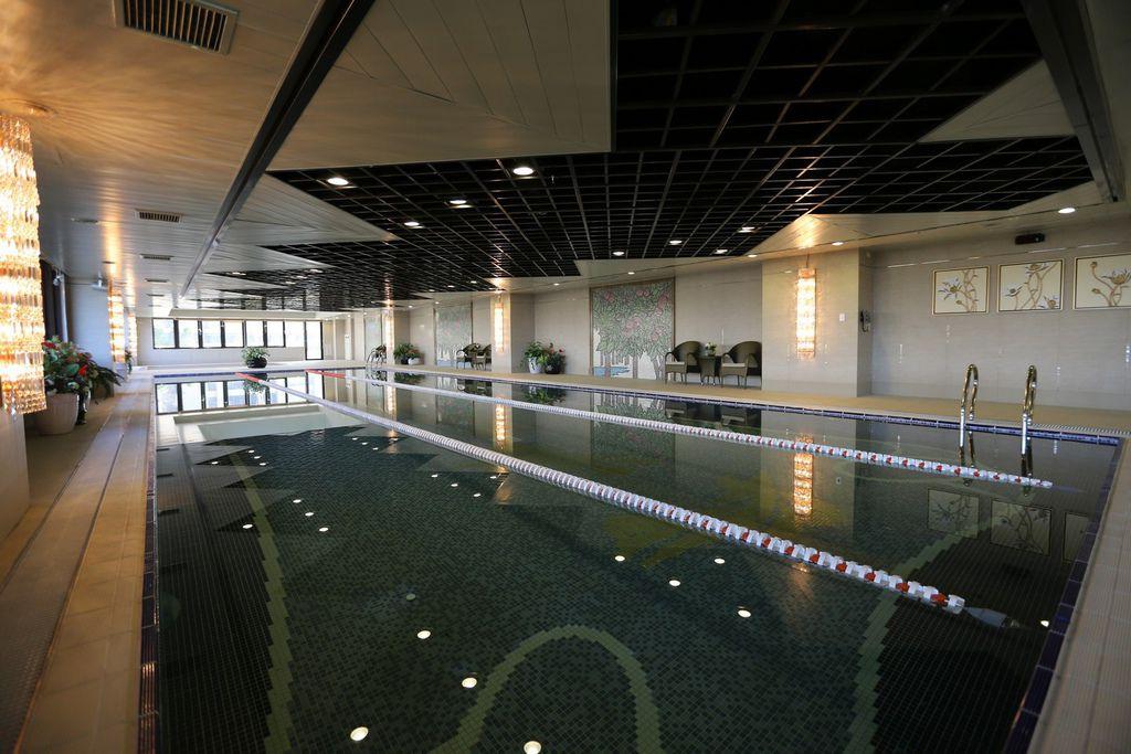 遠雄二代宅,高級社區游泳池-中和左岸/中和建案-彩虹園