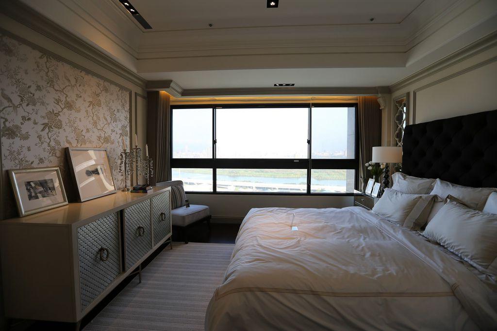 遠雄二代宅,大面窗採光舒適超大空間主臥-中和左岸/中和建案-彩虹園