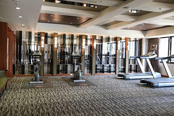 遠雄二代宅,設備齊全的健身房公共設施-中和左岸/中和建案-彩虹園