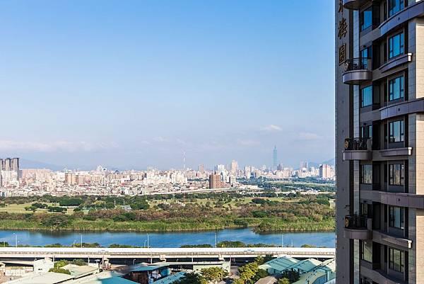 遠雄二代宅,開闊的景觀俯瞰淡水河-中和左岸/中和建案-彩虹園
