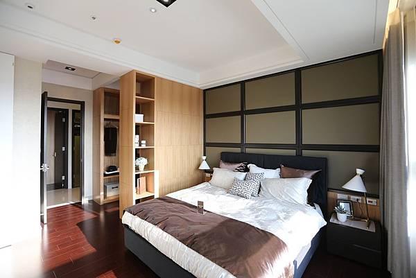 遠雄二代宅,大空間的臥房設計,還可以讓你隔出一間衣帽間-中和左岸/中和建案-彩虹園