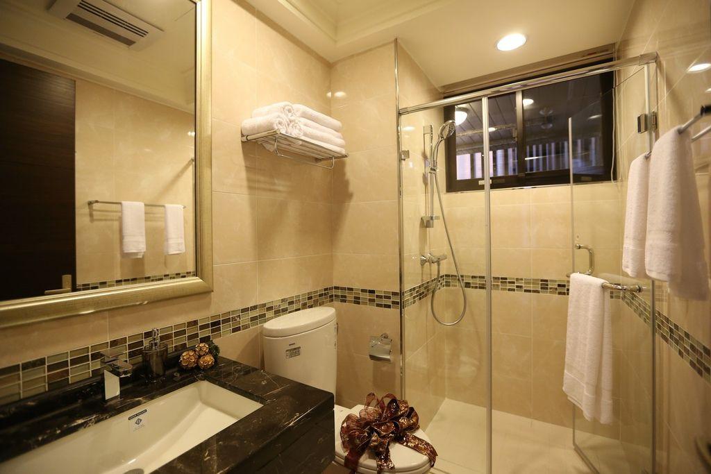 遠雄的二代宅,乾溼分離的衛浴,不必擔心洗完澡整個浴室溼答答-中和左岸/中和建案-玫瑰園