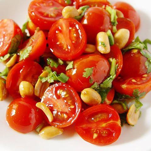 涼拌花生小番茄