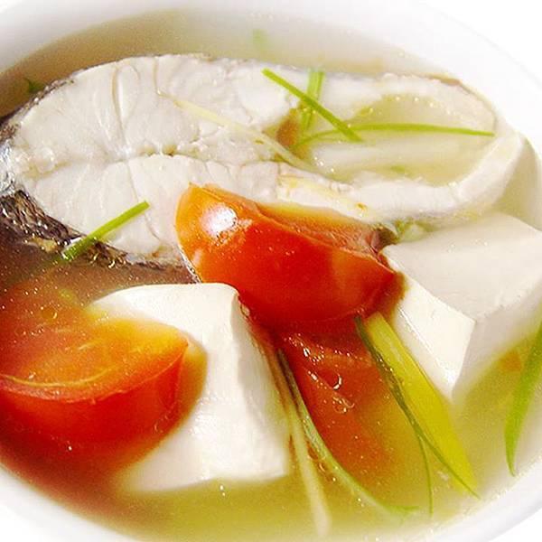 【厚生廚房】紅「番」天喝魚湯暖暖身、元氣足~蕃茄鱸魚湯
