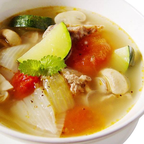 【厚生廚房】歐洲人的最愛, 櫛瓜排骨鮮蔬湯~~口感十分清爽!