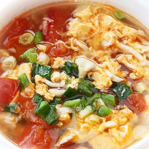 【厚生廚房】QQ脆脆的菇菇蕃茄蛋花湯