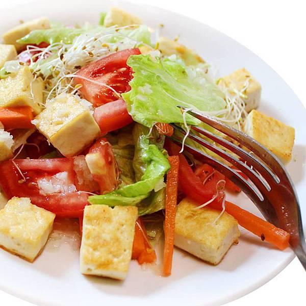 【厚生廚房】熱熱天,吃這最棒啦!!油醋鮮蔬沙拉