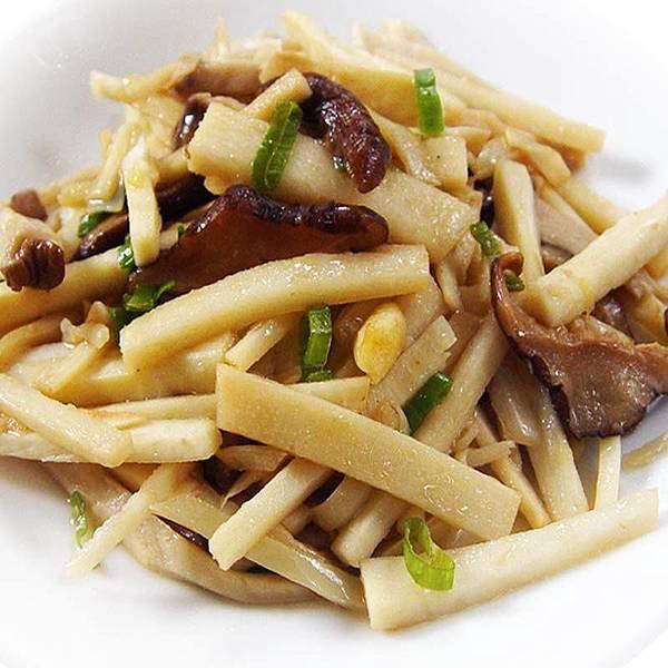 【厚生廚房】家常菜~~麻油筍香炒菇