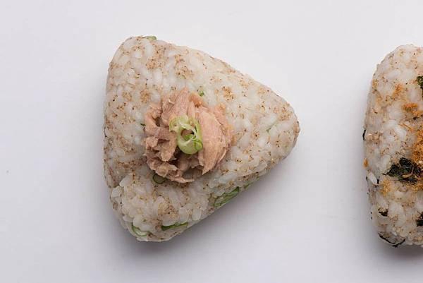 【厚生廚房】上班族必看! 辦公室午餐輕食便當 (鮪魚紅藜飯團)