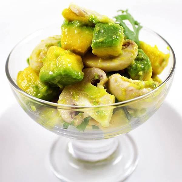【厚生廚房】酪梨鮮採到!! 立即嚐! 清涼低卡的酪梨鮮洋菇沙拉!