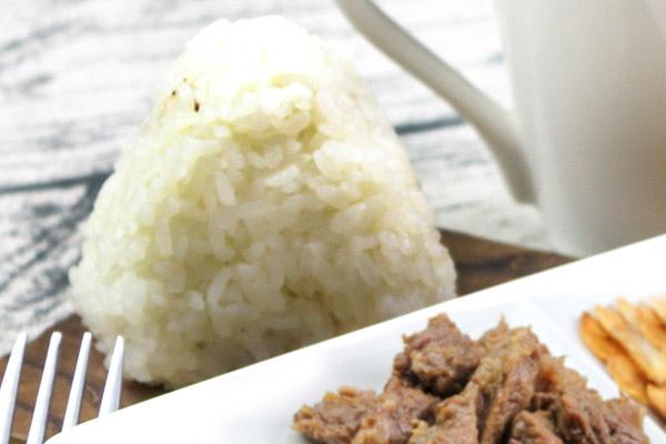 成品-蒜味香煎牛角肉飯糰.jpg