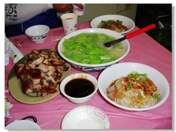 萬巒豬腳 板條 青菜豆腐湯