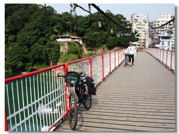 碧潭 橋上