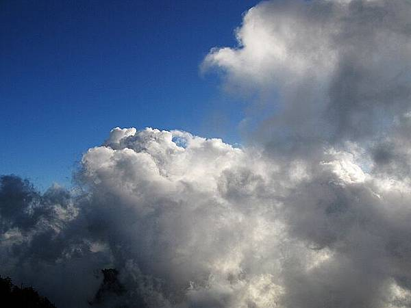 美妙的雲變幻莫測.jpg
