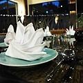 1F 餐桌