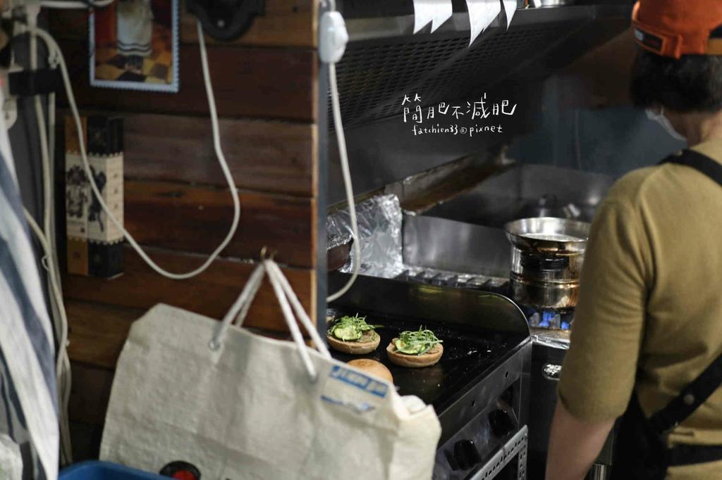 AGA Burger_210510_1.jpg