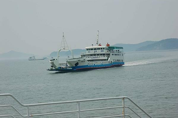 前往矢島的海鷗船