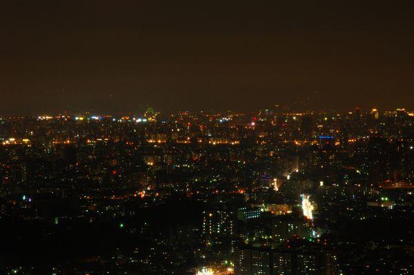 烘爐地夜景