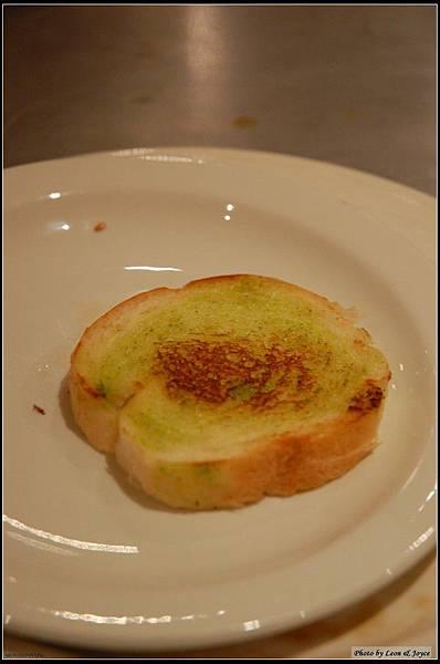 巴西里香蒜奶油麵包