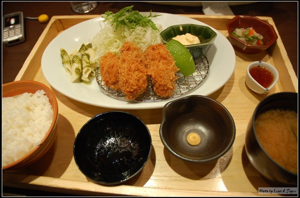 廣島產香酥牡蠣定食(NT$280)