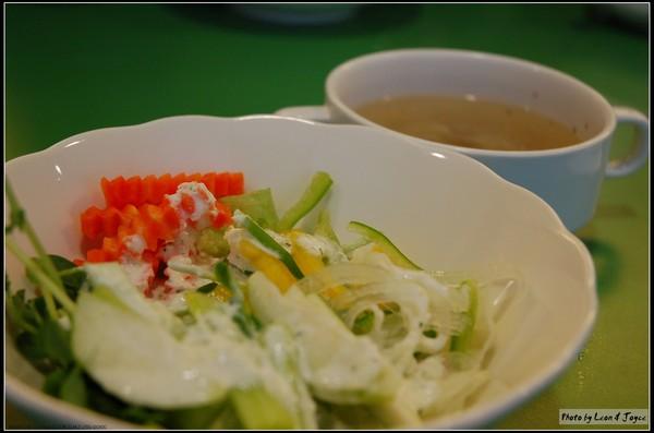 沙拉&蔬菜清湯 (自助式)
