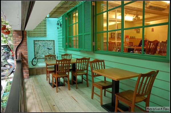 AM Cafe_戶外座位