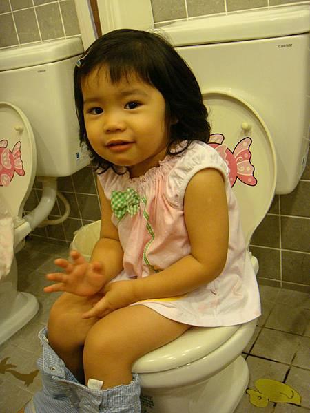 我會自己上廁所囉~憶淳