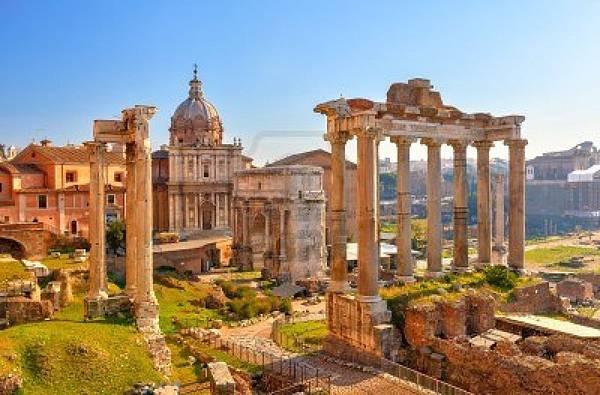 12958672-roman-ruins-in-rome-forum
