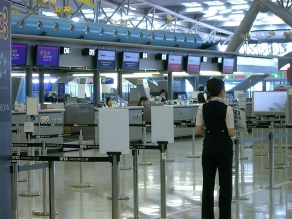 西北在關西機場的櫃