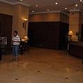 飯店大廳-被領隊處處提醒要小心,治安非常亂