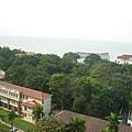 遠方的海就是傳說中的馬六甲海峽
