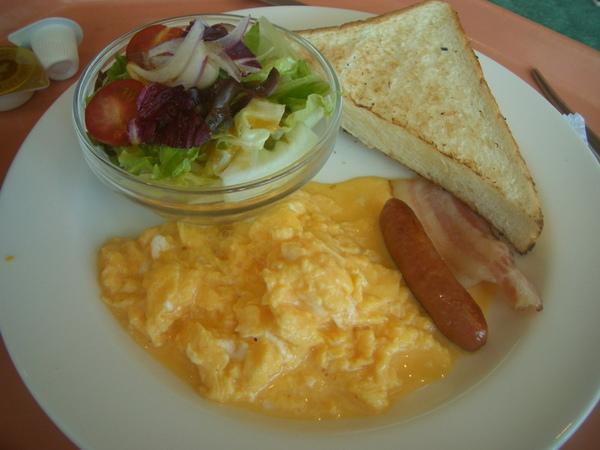 機場裡的早餐