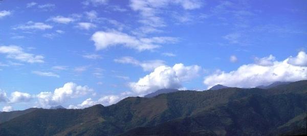台東之美,在於藍天在於山。