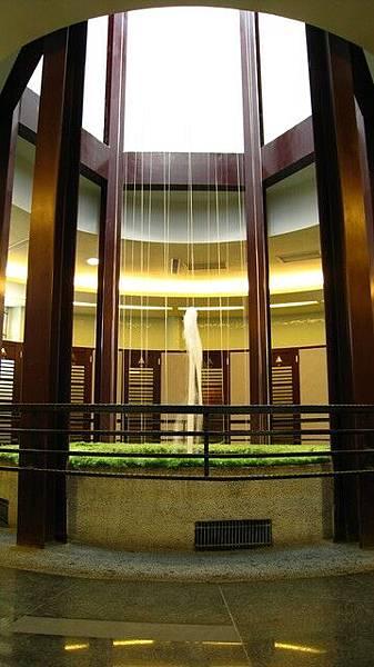 六角天井噴泉