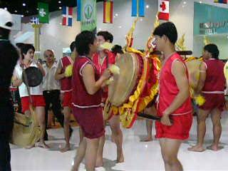 很傳統的舞蹈呢