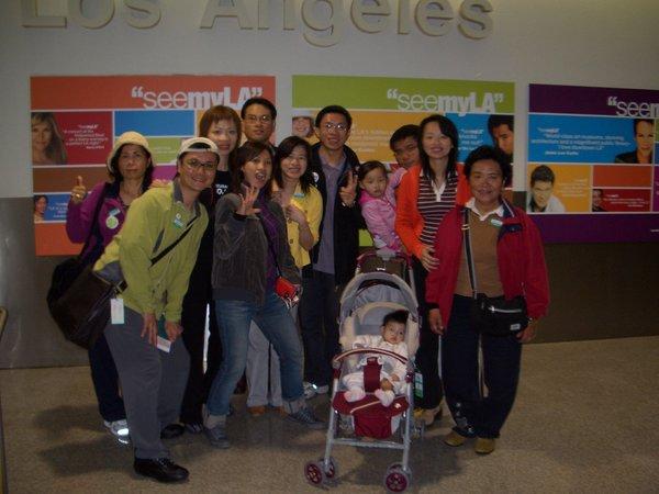 舊金山我們來了(LA機場入境口)