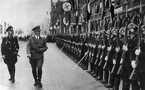 nazi-hitler_2076063b