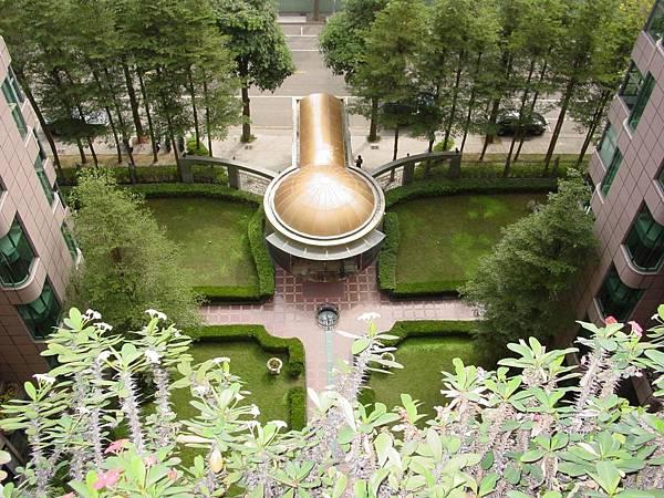 中庭花園01.JPG