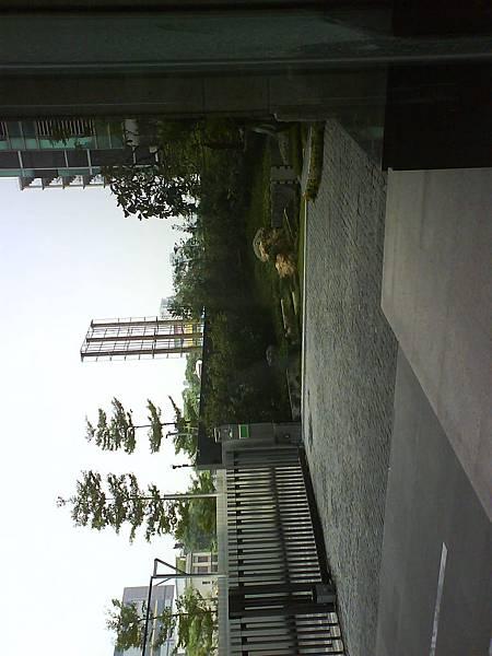 車道入口02.JPG