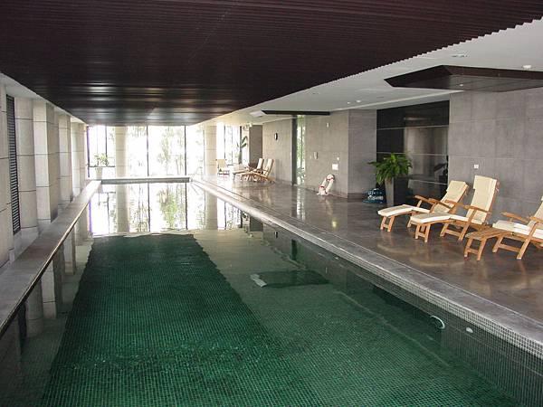室內游泳池.JPG