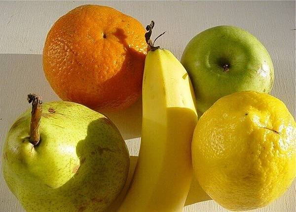 bits-of-fruit-1459024-638x458.jpg